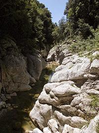 Le grandi rocce bianche dell'Albegna, vicino a Rochette di Fazio