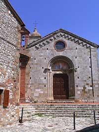 Montefollonico, San Leonardo, fasciata
